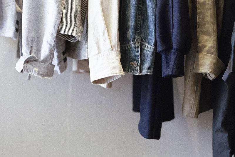 季節の合間に欲しくなる、シャツジャケットを徹底解説&おすすめ商品9選