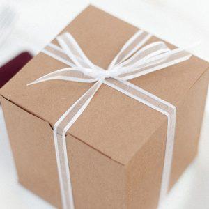 【🎄2021年最新🎁】彼氏が喜ぶクリスマスプレゼント17選&正しく愛を伝えるための予算・ジャンル選び徹底解説