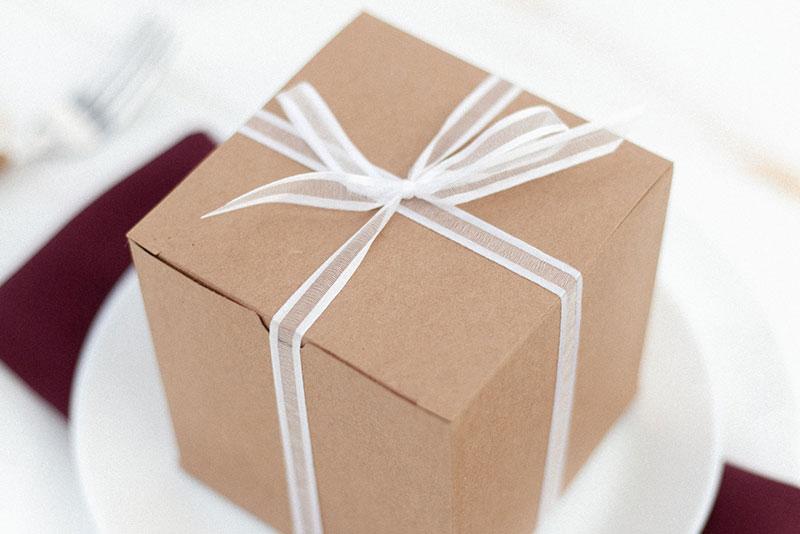 🎁保存版🎁 彼氏に喜ばれる誕生日プレゼントの選び方&おすすめアイテム17選